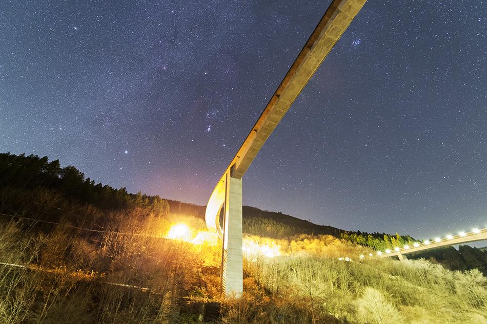 雷電廿六木橋とオリオン座