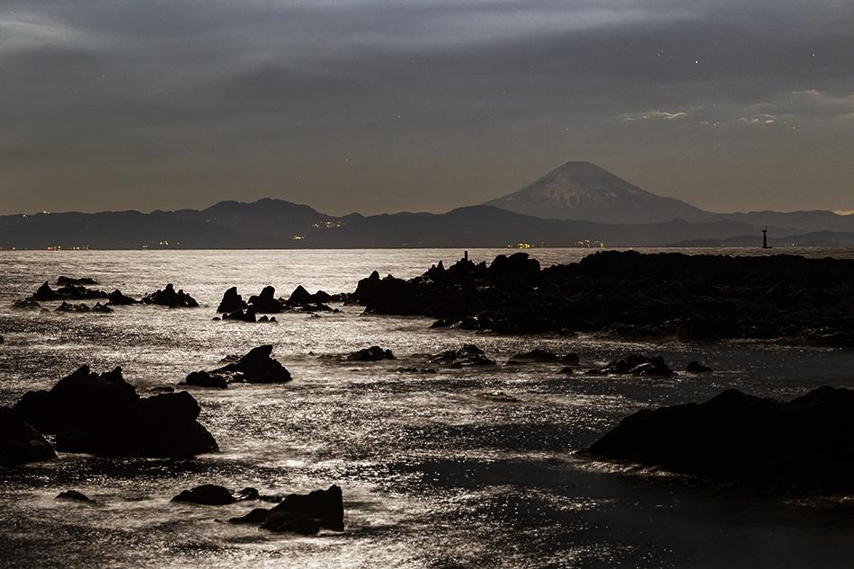 真夜中の富士山