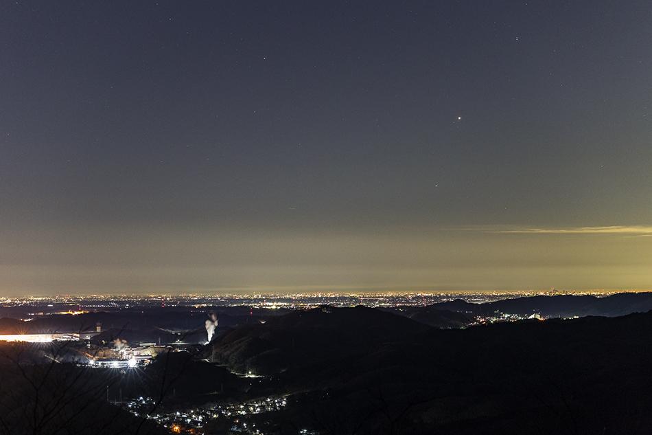夜景と木星・火星