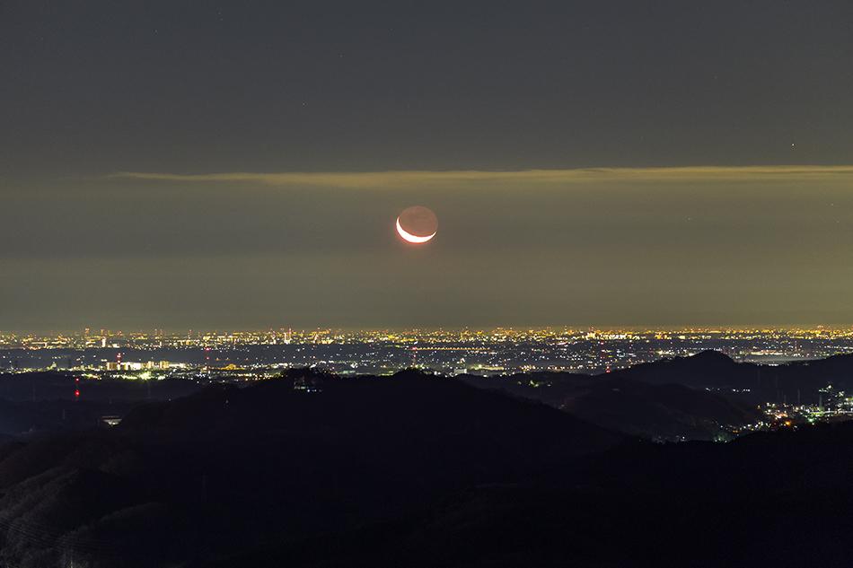 200mm望遠で撮る夜景と月