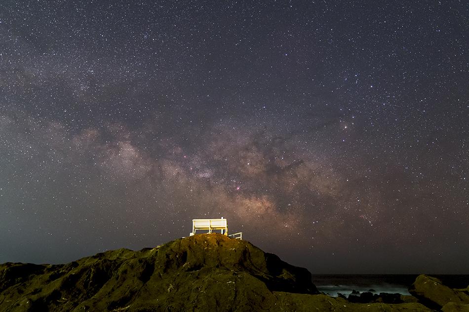 星空ベンチと夏の銀河