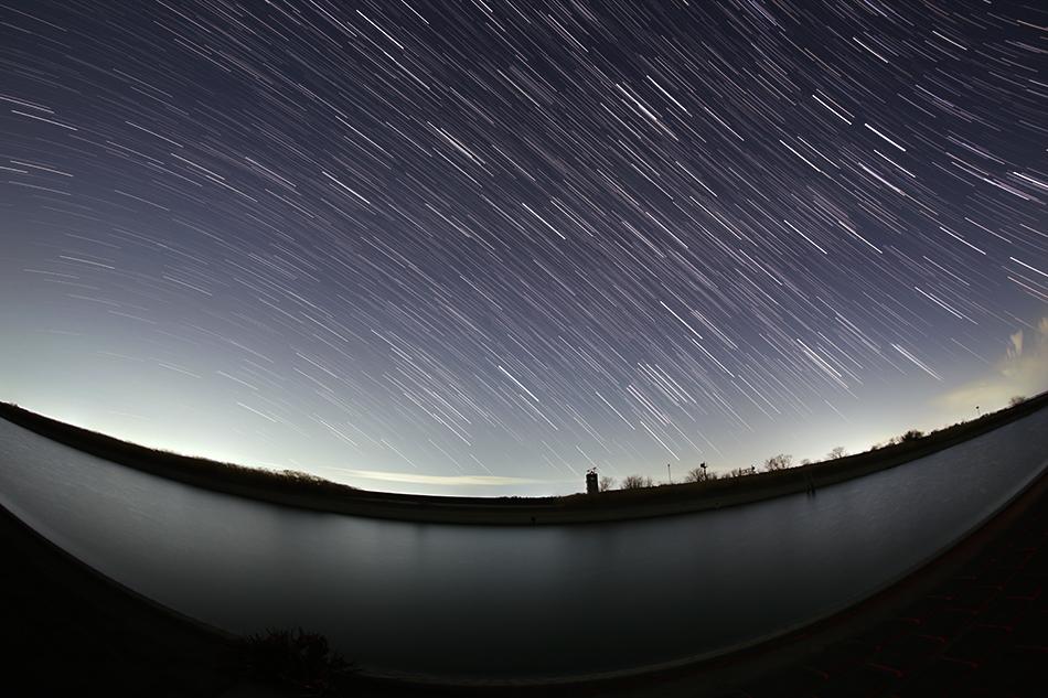 渡良瀬遊水地沈む冬の星座