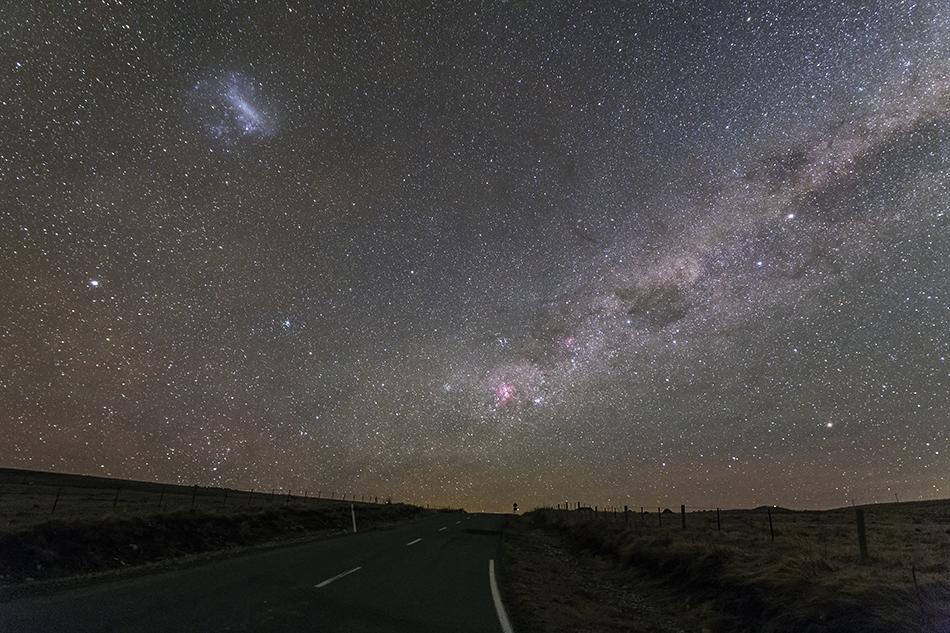 テカポのエータカリーナ星雲、南十字星、大マゼラン雲