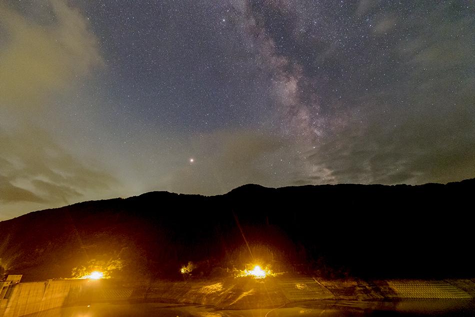 滝沢ダムと天の川・火星