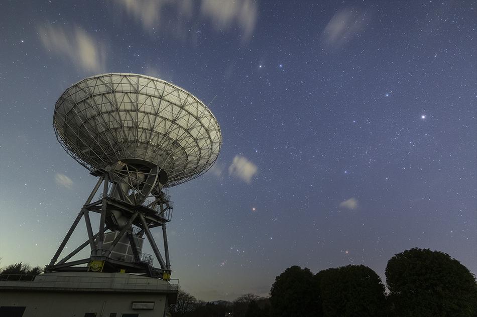 茨城県高萩市さくら宇宙公園と沈む冬の星座