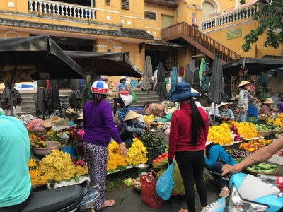 ベトナムホイアン市場