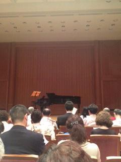 クラシックバンク5月ピアノ.JPG