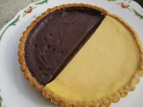 神戸スイーツ ナチュラルチーズのタルトと生チョコタルト