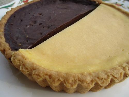 神戸スゥィーツ ナチュラルチーズタルトと生チョコタルト