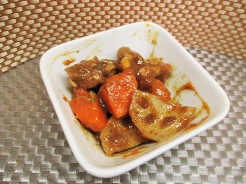 鶏肉とレンコンの炒め煮 ビッグヨーサンで購入。