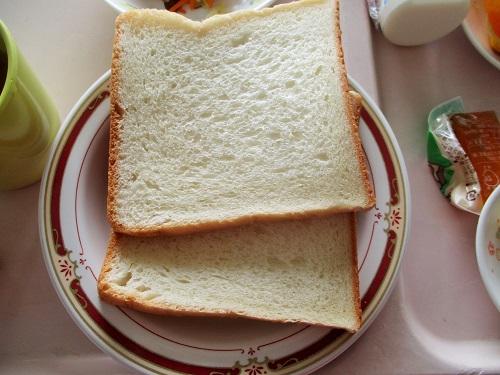 食パン(2枚)が出ました。