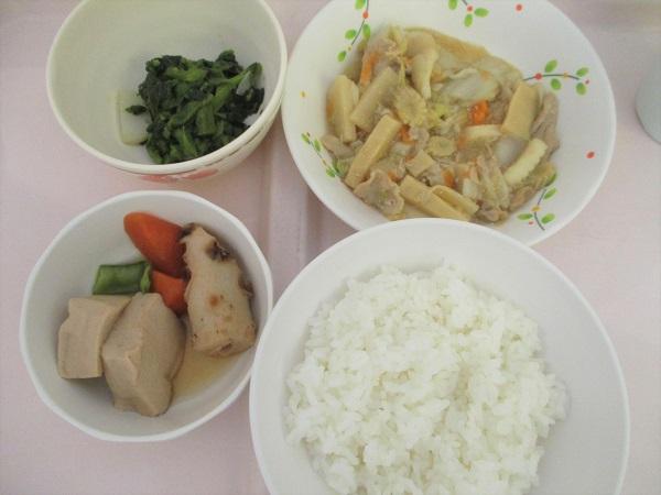 2019年7月30日(火)【昼食】イカと野菜の五目炒め 菜の花からし和え 高野豆腐の煮物