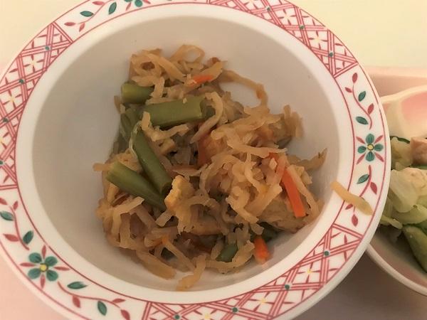 2019年8月4日(日)【朝食】切干大根の煮物 中華風浸し 味噌汁 ヨーグルト 海苔の佃煮