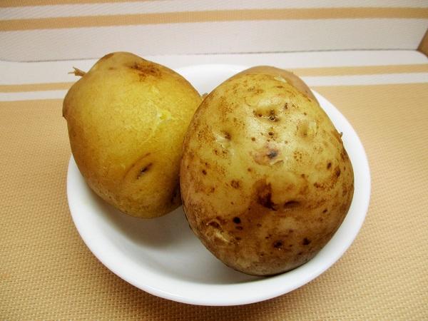 北海道産じゃがいもを茹でて食べました!