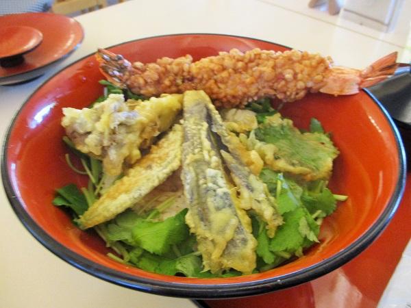 海老と季節野菜の天ぷら大名丼 江戸煎り酒と米麹糖蜜仕立て 1,200円(税込)
