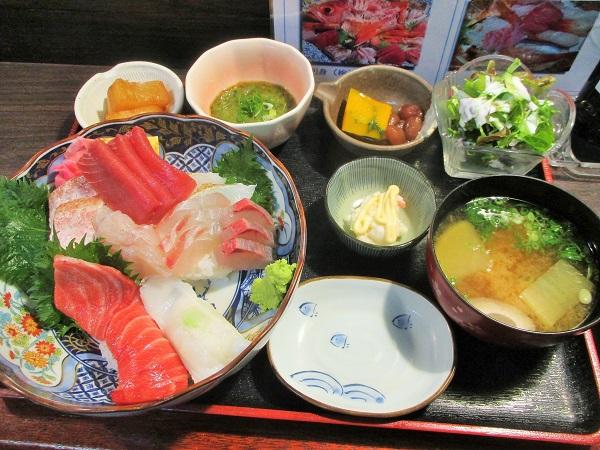 2020年3月2日(月)【伊東駅前】たか丸食堂 海鮮丼