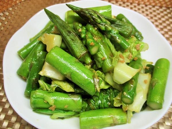 アスパラガス、春キャベツ、オクラの炒め、焦がしねぎ塩風味
