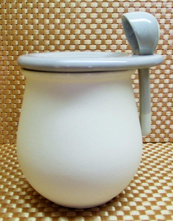 ダイソー サラサラ砂糖の素焼きポット 400ml/324円(税込) 中国製