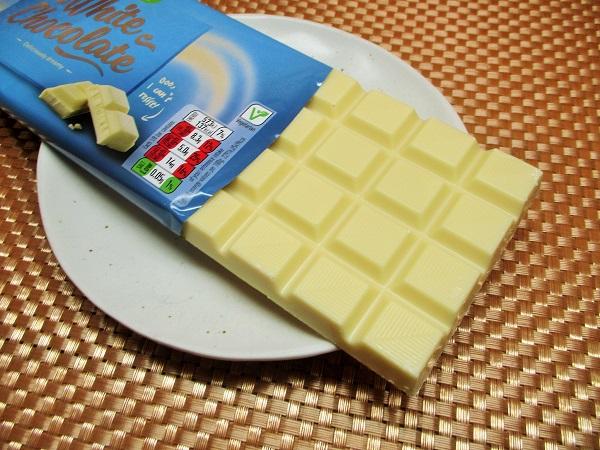 2020年4月30日(木)ASDA ホワイトチョコレート 原産国ドイツ 200g