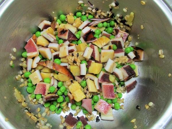 いかのいろり焼き、グリーンピース、ひとくちさつまいも、3種の麦ミックス