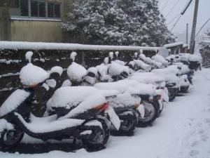 雪景色バイク
