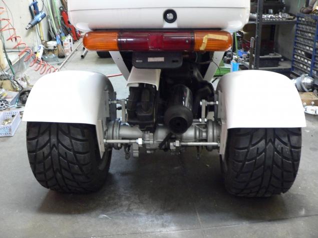 サイクルフェンダージャイロ225タイヤ