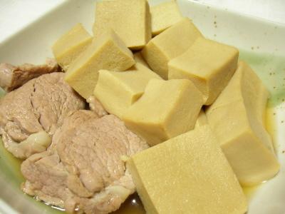 高野豆腐と豚ヒレ肉の煮物