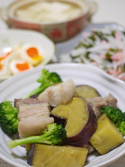 サツマイモと塩豚バラの蒸し煮