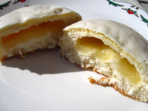 ヤマザキ ホワイトチョコ ビスケットパン