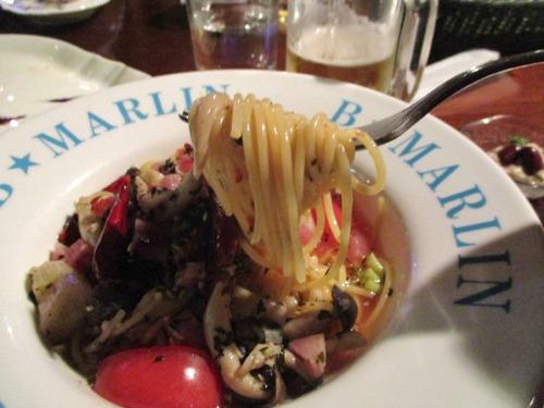 B★MARLIN トマトとシメジのパスタ。 唐辛子