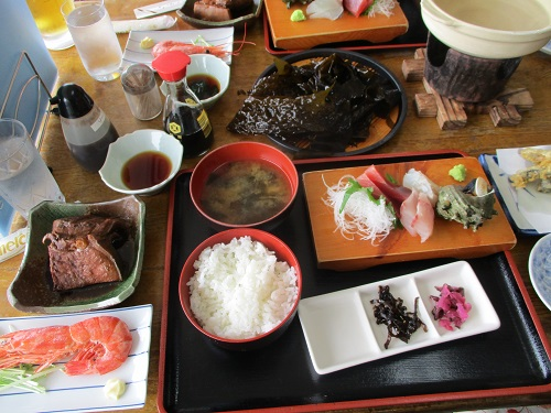 三浦市・金田漁港にある「レストラン金田」