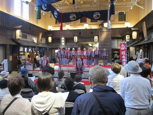 この日は夏場所初日ということで、相撲甚句が披露されてました!