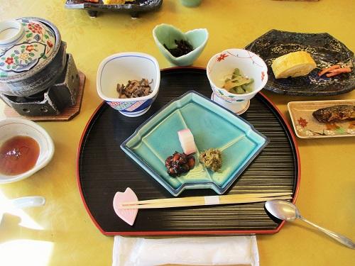 真田三代のかくれ湯 角間温泉 岩屋館にて朝食を頂きました。
