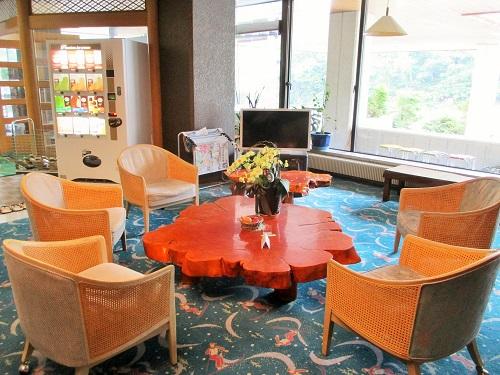 熊の湯ホテル 翡翠色の温泉