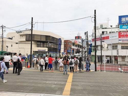 昔懐かしい感じの二俣川駅南口