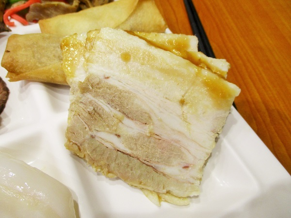 豚の三枚肉のにんにく風味焼き。 コレも美味しかった!