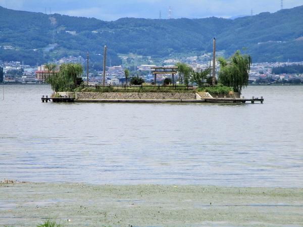 諏訪湖の初島【2020年7月】