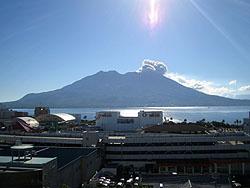 午前8時の桜島
