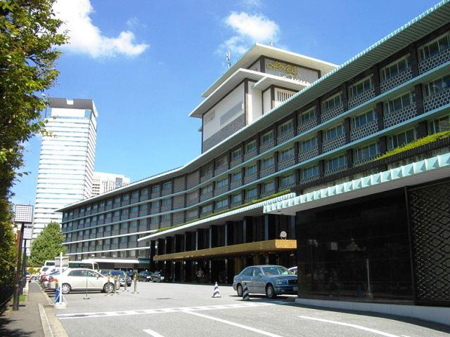 800px-Hotel_Okura_Tokyo-1.JPG