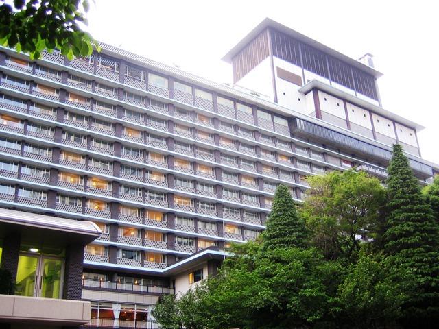 Hotel_Okura_Annex_(2006.05)_cropped-1.jpg