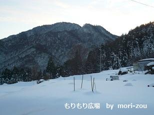 もりぞう木曽モデルハウス外雪景色.jpg
