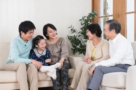 検討する家族イメージ.JPG