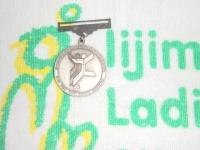 銀メダル裏
