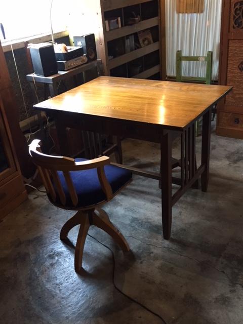 二人掛けテーブル