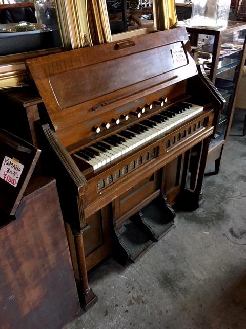 木製オルガン
