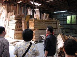 製材工場見学の様子