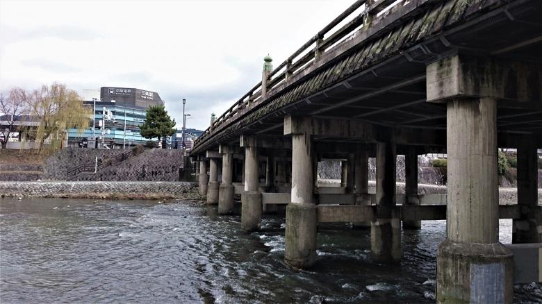 鴨川 三条大橋