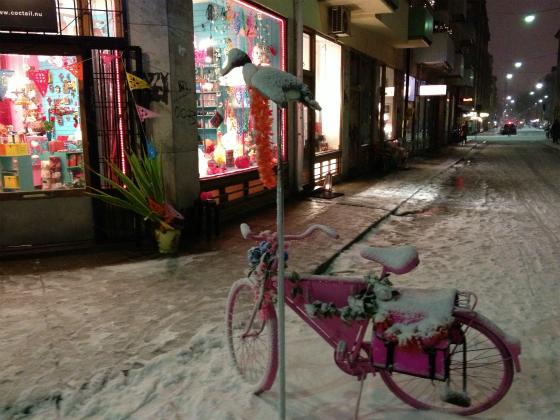 ストックホルムのピンクの自転車