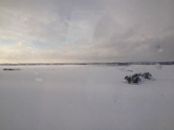 ストックホルムの海は凍っています