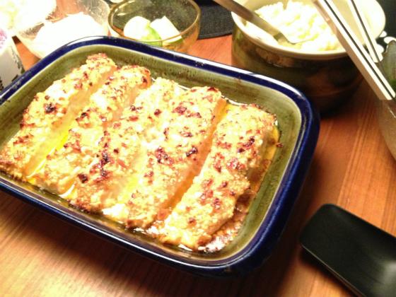 サーモンのオーブン焼きを、ロールストランドのエリザベスを使って